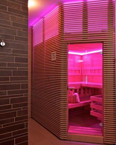 osvetlenie indikuje nepripravenosť sauny